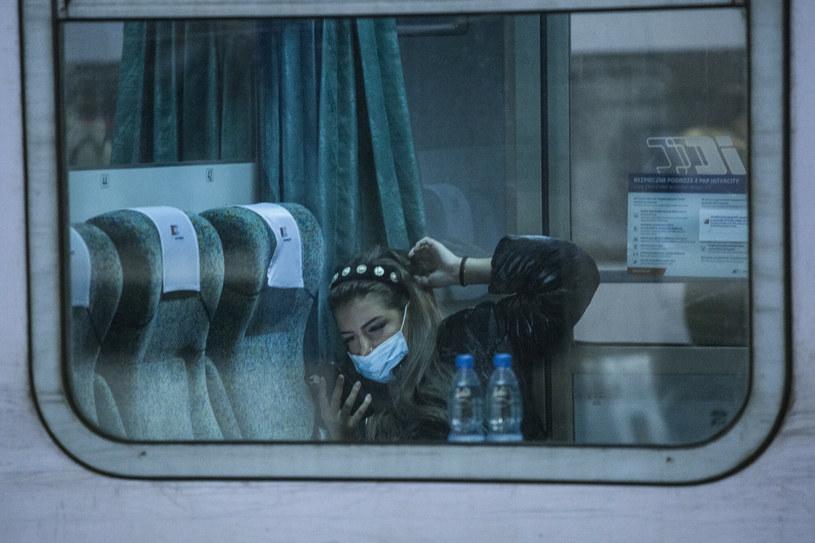 Koronawirus zostanie z nami jeszcze długo. /MAREK BEREZOWSKI/REPORTER /East News