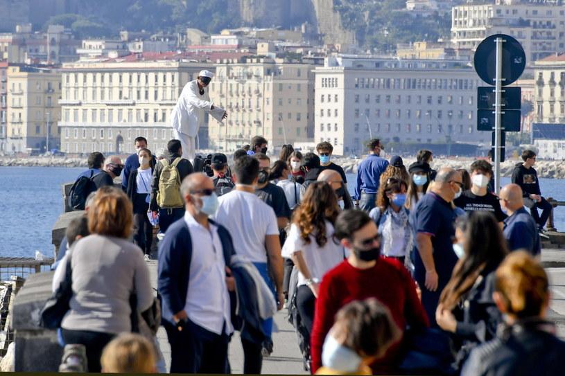 Koronawirusa wykryto dotychczas u 731 tys. mieszkańców Włoch /CIRO FUSCO /PAP/EPA