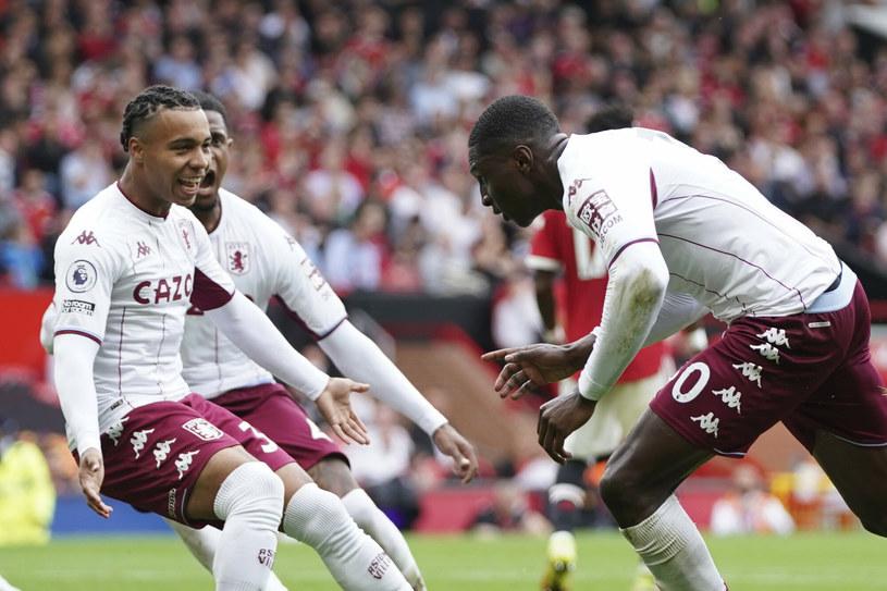 Kortney Hause (z prawej) miał powody do świętowania w meczu Aston Villi z United /AP/Associated Press/East News /East News