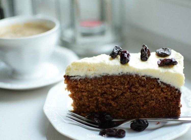 Korzenne ciasto z dynią – idealne na jesienne wieczory. /BeMam