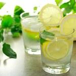 Korzyści płynące z picia wody cytrynowej