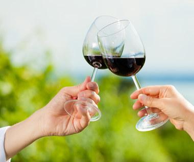 Korzyści z codziennej lampki wina przed snem