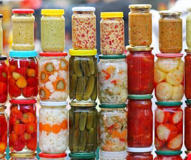 Korzyści zdrowotne ze sfermentowanych warzyw