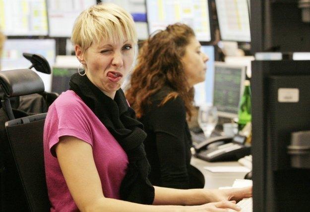 Korzystanie z internetu wcale nie musi przeszkadzać w pracy /AFP