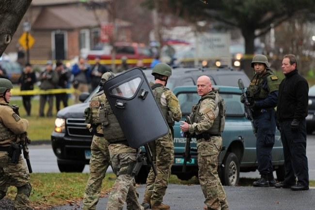 Kościół ewakuowano w związku z doniesieniem o podejrzanym przedmiocie /Peter Foley /PAP/EPA