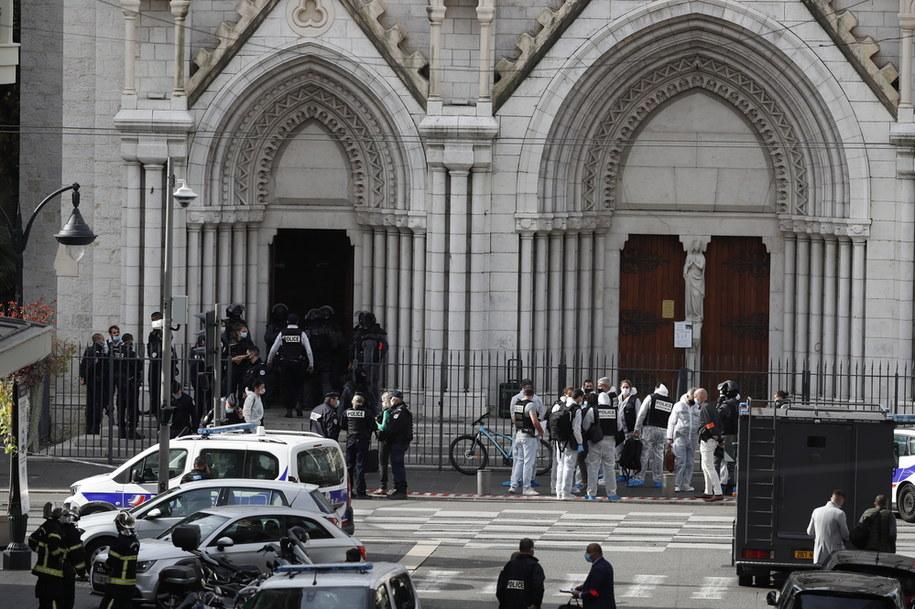 Kościół, w którym doszło do ataku /SEBASTIEN NOGIER  /PAP/EPA