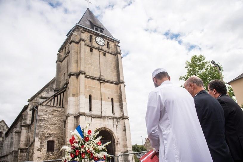 kościół w Saint-Etienne-du-Rouvray /CHRISTOPHE PETIT TESSON /PAP