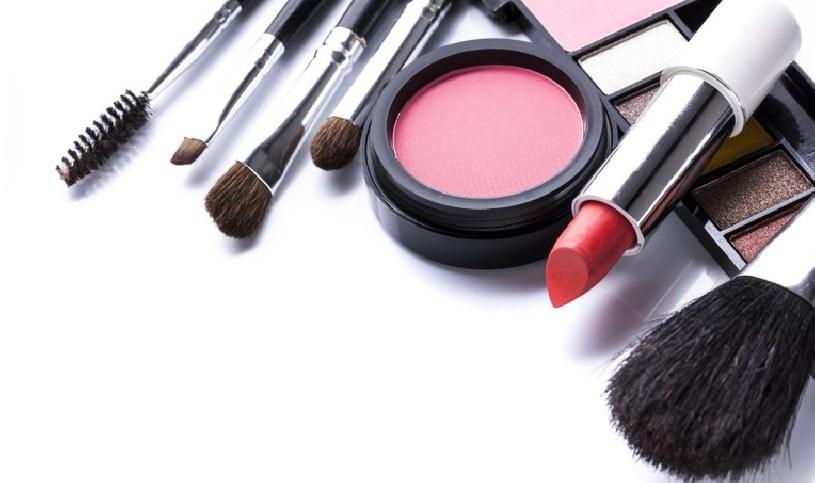 Kosmetyki mogą uczulać /123RF/PICSEL