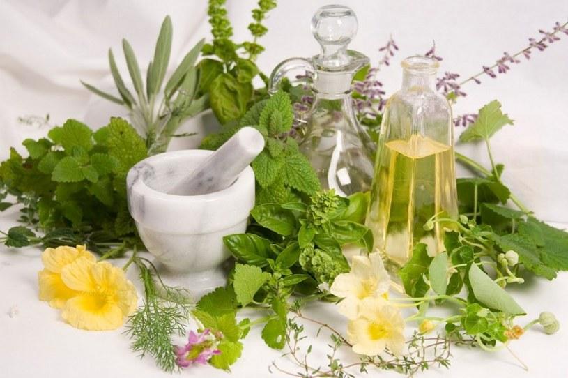Kosmetyki z naturalnych składników /© Photogenica