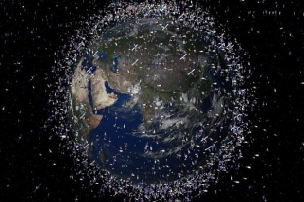 Kosmicznych śmieci wciąż przybywa /NASA