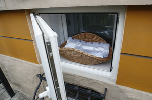 Koszalin: Ojciec zgłosił się po niemowlę pozostawione w Oknie Życia
