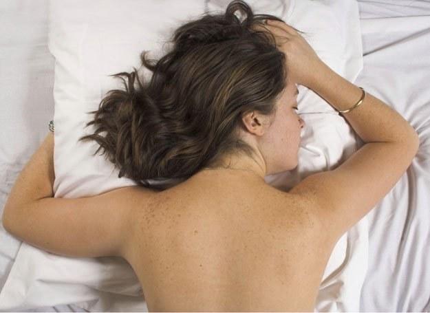 Koszmary senne kobiet i mężczyzn różnią się tematyką /ThetaXstock