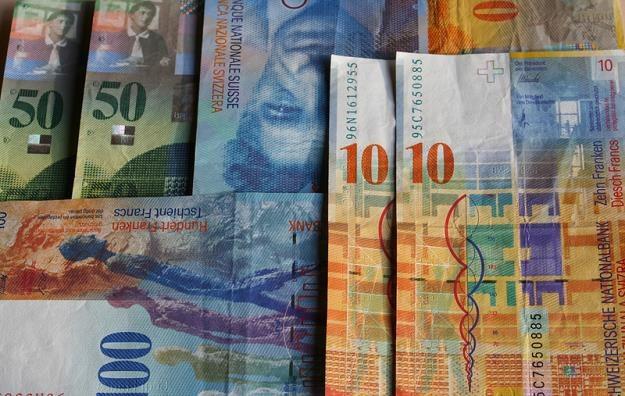 Koszt pomocy osobom zadłużonym w walutach obcych może sięgnąć 44 mld zł /© Panthermedia