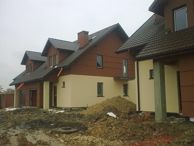 Koszty budowy budynku zbiorowego zamieszkania w listopadzie 2010 r. wzrosły rok do roku o 0,2 proc. /INTERIA.PL