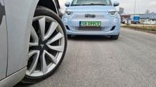 Koszty posiadania auta elektrycznego z dopłatą w rok zrównuje się z kosztami spalinowego