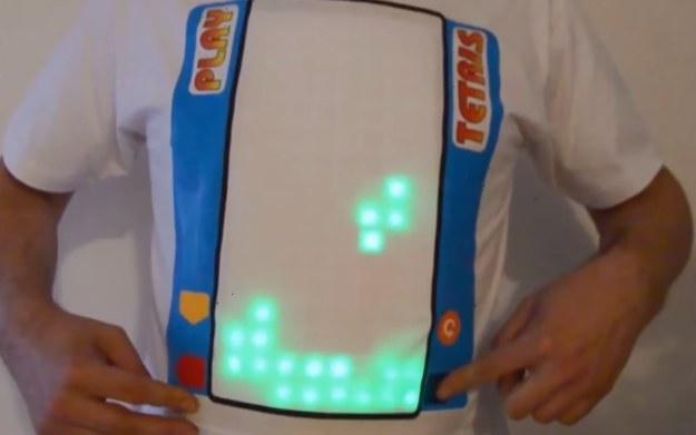 Koszulka do gry w Tetrisa - fragment prezentacji pochodzi z serwisu YouTube.com /materiały prasowe