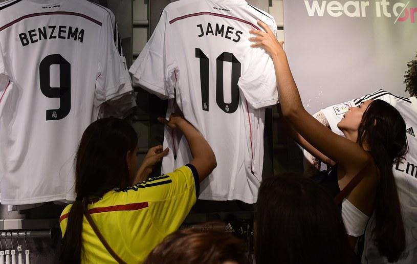 Koszulki Jamesa Rodrigueza rozchodzą się w ekspresowym tempie /AFP