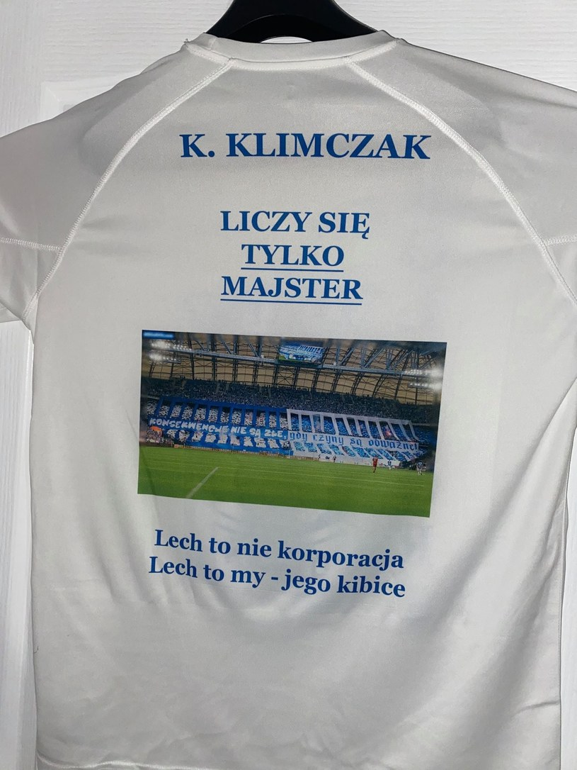 Koszulki wysłane do prezesów Lecha Poznań /Interia.pl /INTERIA.PL