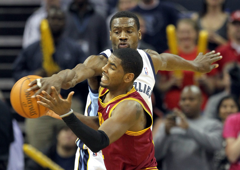 Koszykarz Cleveland Cavaliers Kyrie Irving /AFP