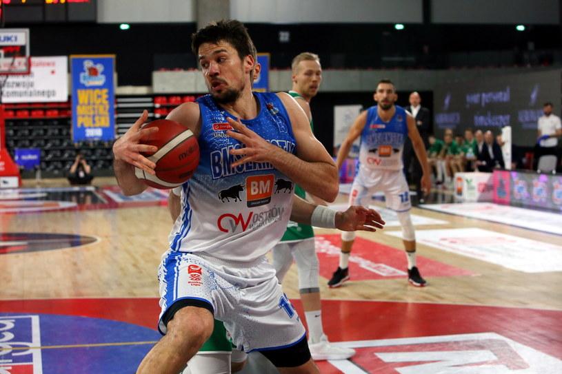 Koszykarz drużyny Arged BM Slam Stal Ostrów Wlkp. Josip Sobin /Tomasz Wojtasik /PAP