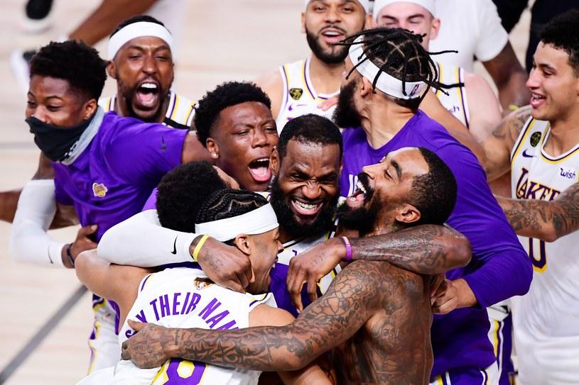 Koszykarze Los Angeles Lakers świętują mistrzostwo NBA /AFP
