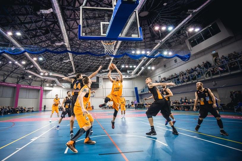 Koszykarze R8 Basket AZS Politechniki podczas ligowego starcia /R8 Basket AZS Politechnika Kraków /