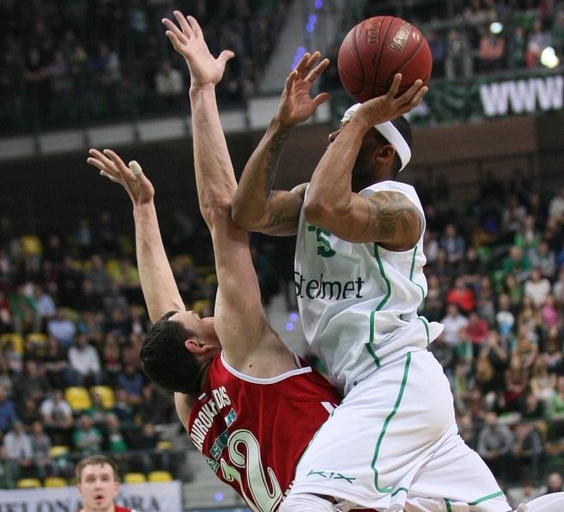 Koszykarze Stelmetu Zielona Góra przegrali ze Spartakiem w Sankt Petersburgu 54:81 /PAP