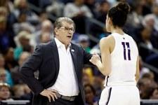 Koszykówka. Trenerki uczelni Connecticut dostały pieniądze za 2014 rok