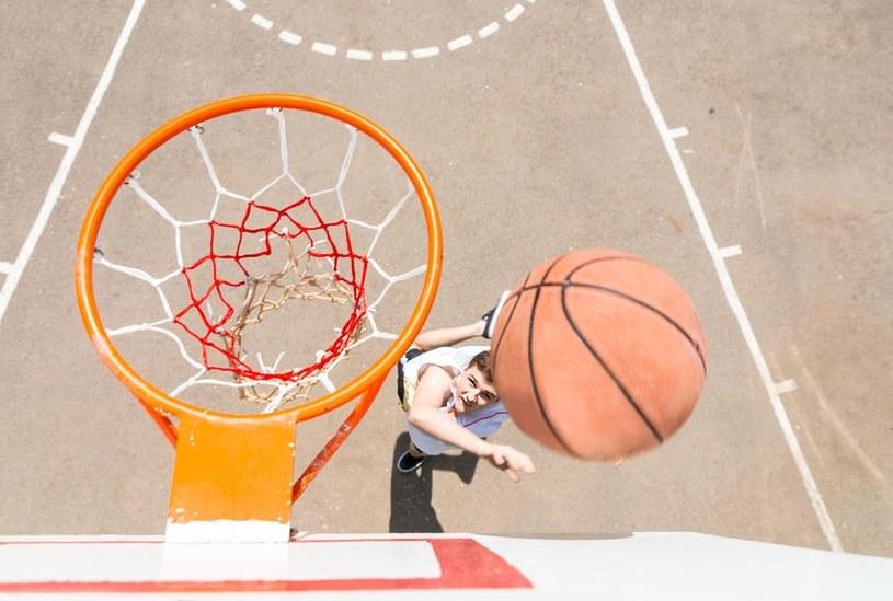 Koszykówka w wersji 3x3 to jeden z najbardziej dynamicznych sportów /123RF/PICSEL