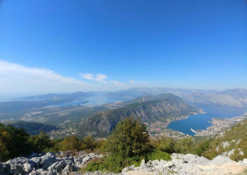 Kotorskie agrafki zapewnią najpiękniejszą panoramę zatoki /Styl.pl