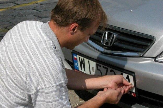 Kradzież tablic to spory kłopot / Fot: Wojtek Laski /East News