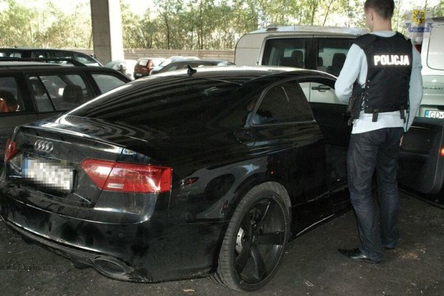 Kradzione Audi RS5 /Policja