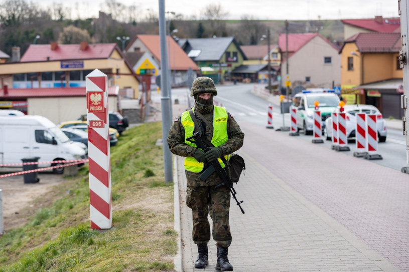 Krajnik Dolny, polsko - niemiecka granica podczaspandemii, zdjęcie ilustracyje /ROBERT STACHNIK/REPORTER /Reporter