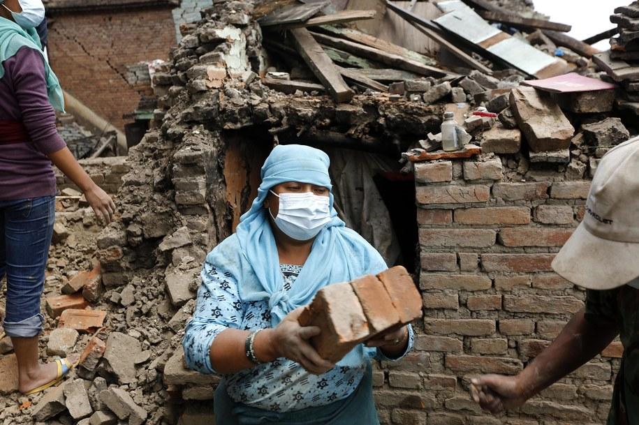 Krajobraz po trzęsieniu ziemi /ABIR ABDULLAH  /PAP/EPA