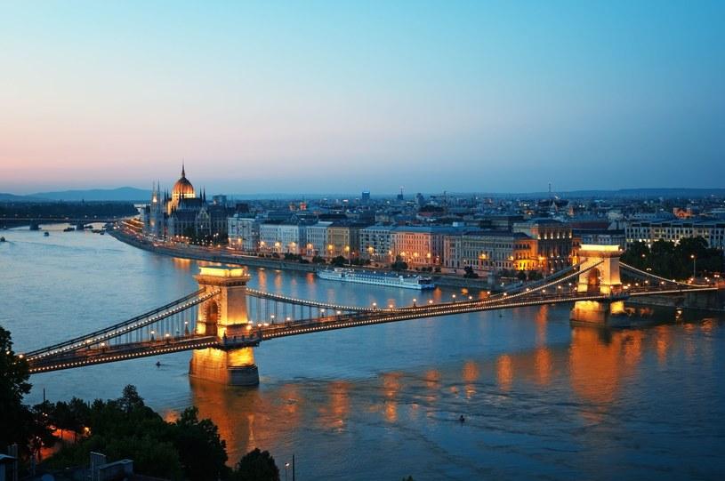 Krajowe Biuro Zatrudnienia (NFSZ) otrzymało w sierpniu od węgierskich firm ponad 50 tysięcy ofert poszukujących pracowników na określone stanowiska pracy /123RF/PICSEL