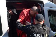 Kraków: Doprowadzenie Pawła K. do prokuratury