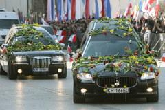 Kraków powitał trumny z ciałami pary prezydenckiej
