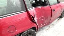 Kraków: Samochód uderzył w przystanek