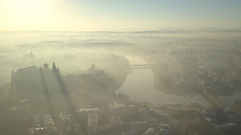 Kraków spowity smogiem /Tomasz Wełna /
