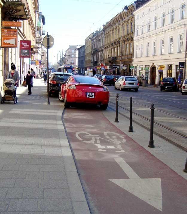 Kraków, ul. Starowiślna.  Ścieżka rowerowa... Fot. A.W. /