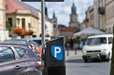 Kraków: Zamieszanie ze strefami parkowania. Sypią się mandaty