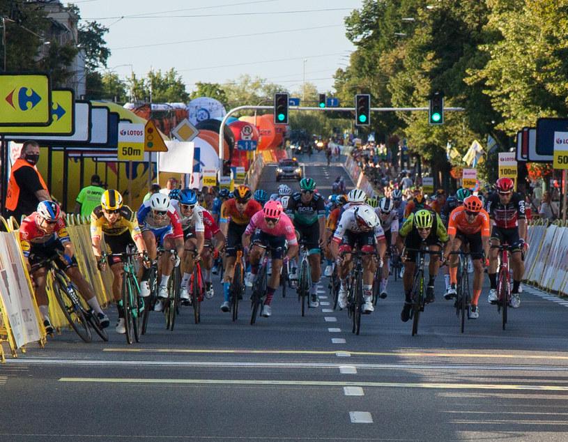 Kraksa na finiszu pierwszego etapu Tour de Pologne /MATEUSZ JANUSZEK/NEWSPIX.PL /Newspix
