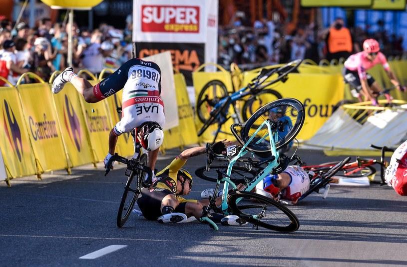 Kraksa na mecie 1. etapu tegorocznego Tour de Pologne /Rafał Rusek /Newspix