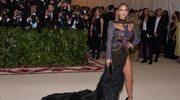 Kreacja Jennifer Lopez przekazana na aukcję charytatywną
