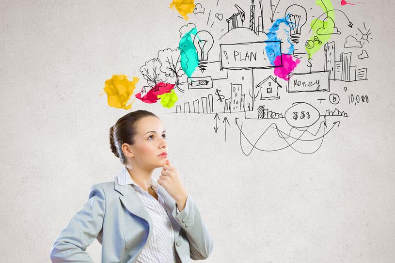 Kreatywny pracownik może oznaczać... kłopoty /123RF/PICSEL