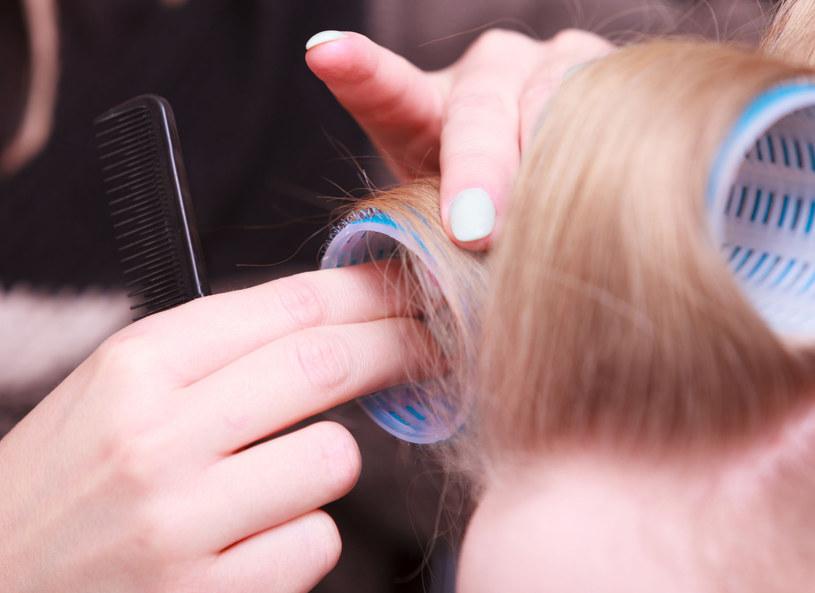 Kręcisz? Modelujesz? Twoje włosy to czują! /123RF/PICSEL