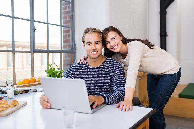 Kredyt mieszkaniowy już o połowę tańszy niż przed obniżkami stóp /©123RF/PICSEL