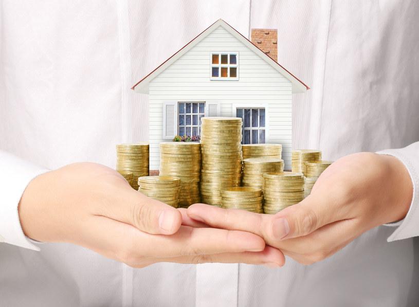 Kredyt mieszkaniowy spłaca się latami /123RF/PICSEL