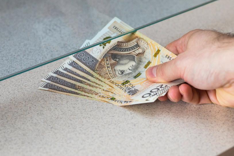 Kredyty gotówkowe też zdrożeją /123RF/PICSEL