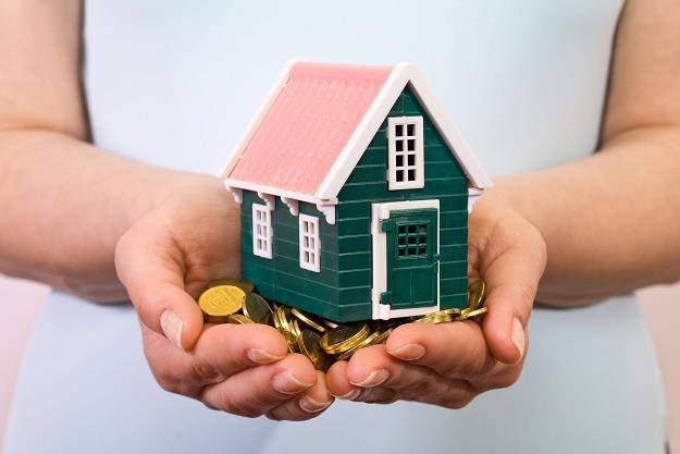 Kredyty hipoteczne są coraz tańsze, a co za tym idzie - bardziej dostępne /©123RF/PICSEL